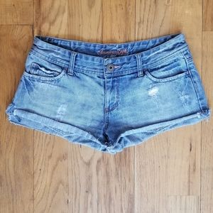 AMERICAN EAGLE GREAT COND DISTRESS RIP JEAN SHORT
